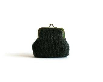 Dark Gray Kiss Lock Coin Purse, Chunky Knit Pouch, Gifts for Her, Clasp, Money Holder, Change, Cute, Charcoal Wool, Under 20, Wool Purse