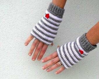 Crochet fingerless gloves mittens PDF Pattern - Little Heart