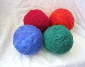 1 Ecofriendly Needlefelted Wool Ball Toy