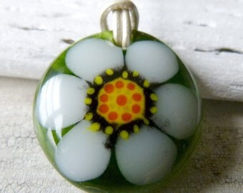 Daisy necklace, fused glass pendent, flower jewelry