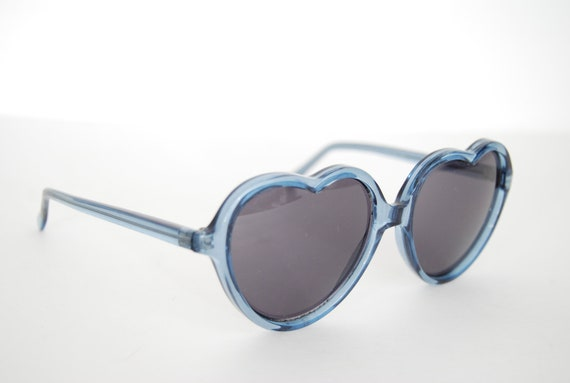 vintage 1980s / Lolita / blueish green / heart shaped sunglasses