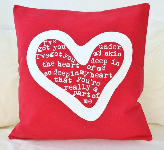 ON SALE Pillow cover in red cotton for the love in your life