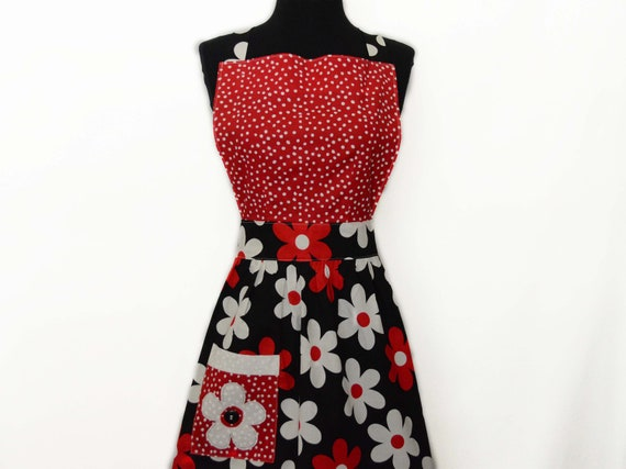 Woman's Full Apron  - Simply Chic Apron