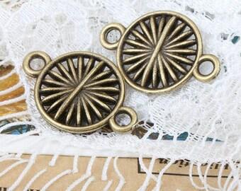 10pcs 13x12mm antique bronze wheel charms pendants connectors (J431)