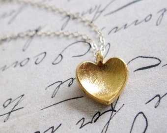 Tiny Gold Heart Necklace / Small Gold Heart Necklace / Simple Gold Necklace / Dainty Gold Necklace