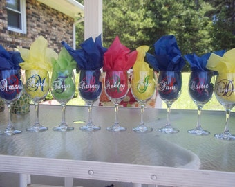 Personalized Bridesmaid Wine Glasses with name and initial