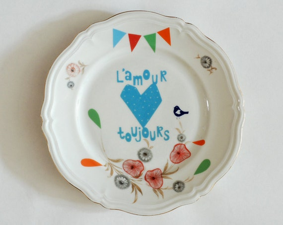 L'amour toujours and bunting love plate