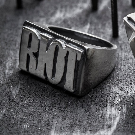 SALE  RIOT-silver ring size 6