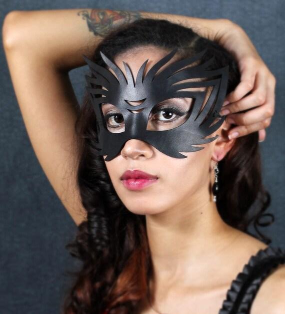 Wildcat leather Halloween mask in black