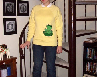 Vintage yellow frog sweatshirt - small
