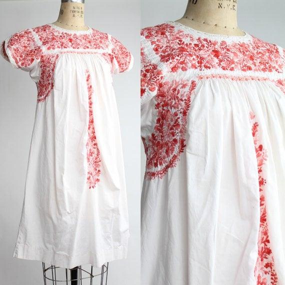 70s vintage embroidered Oaxacan dress // vintage bohemian a-line cotton dress / XS - S
