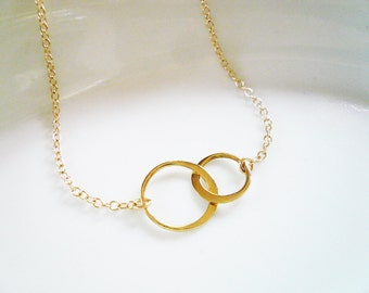 Small Entwined Gold Rings Necklace, Two Linked Gold Circles - Sweet Wedding, Valentines Day, Mother Daughter, Sisters, Best Friends Gift