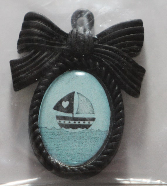 18x25mm cameo pendant or Blythe pull charm no. 9