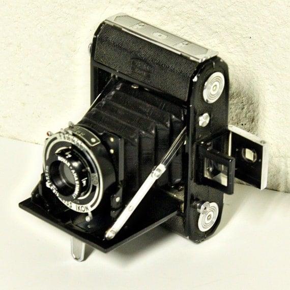 Vintage Camera - Bellows Camera - Zeiss Ikon - Nettar 515