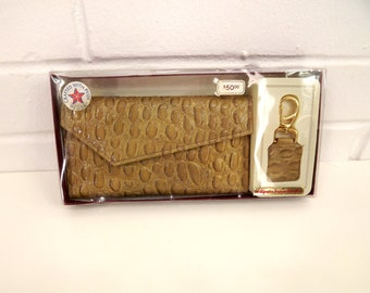 Vintage 70's Ecru Leather Wallet, Matching Key Chain, Alligator Grain, Art Deco