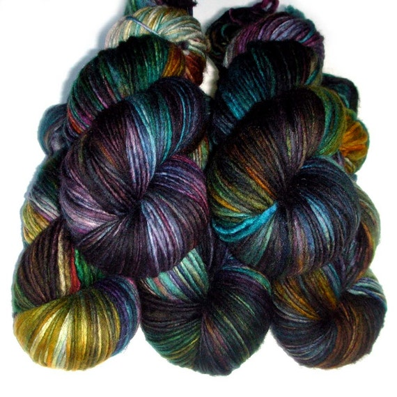 Vera SW Merino Singles Worsted Yarn - Dark Rainbow, 220 yards