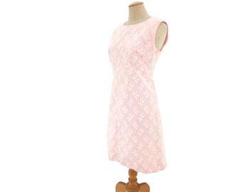 Vintage Dress 1960s Pink White Lace Sleeveless Sheath A Line Shift size Large