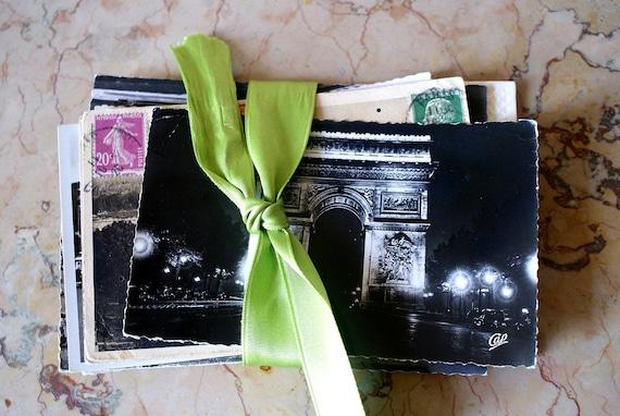 The Paris Postcard Pack