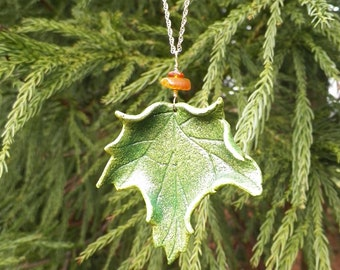 Green Maple Leaf Pendant Necklace
