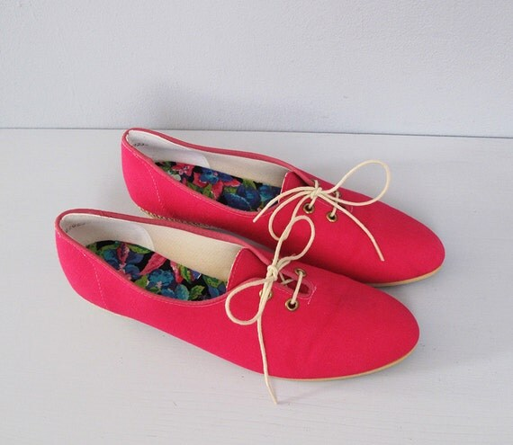 vintage HOT PINK canvas oxfords sneakers 7.5