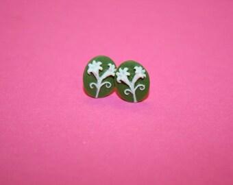 Tiny Sage Green Daisy Flower Earrings