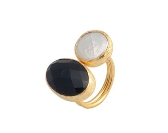 Gold Coated Silver Ring With A Faceted Oval Onyx Stone and a Pearl