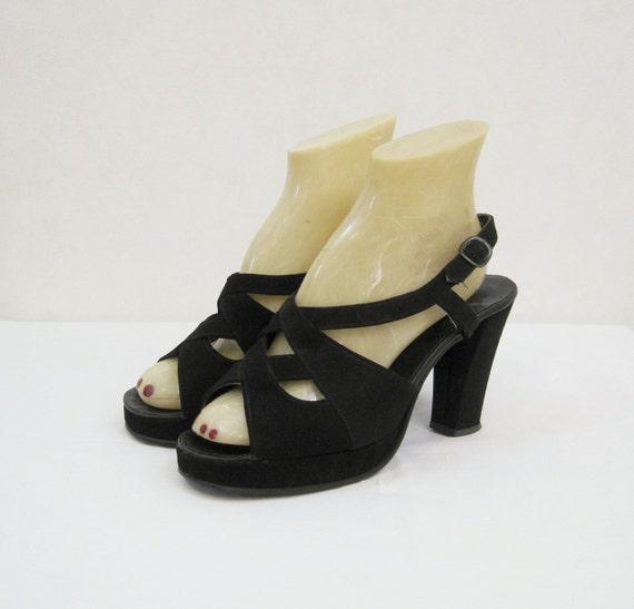 hold platform shoes vintage 70s does 40s black velvet