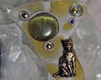 Cat kitten pendant necklace slumped recycled art glass yellow cream one of a kind artist created in Michigan