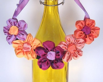 "Daisy bib necklace -- French ribbon daisies in fuchsia & orange -- the perfect gift for your ""flower girl"""