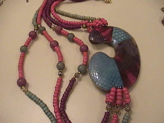 Colorful c necklace