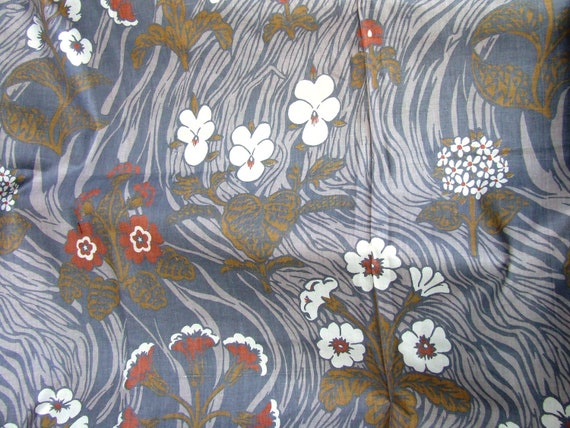 """Beautiful Art Nouveau Floral Theme 1 Yard of Vintage 1960's Screen Printed Fabric copyrighted by """"Kenmill"""""""