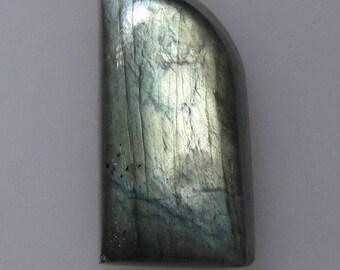 Labradorite claw cabochon, gold and green color flash, 23.59 carats                              043-18-050