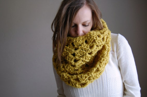 chunky lace cowl scarf / the skowhegan / citron