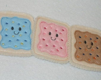 PLAY FOOD, Pretend Felt  Smiley poptarts #PF2535Tarts