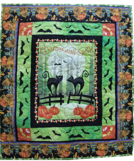 Spooky Cats Halloween Wall Quilt