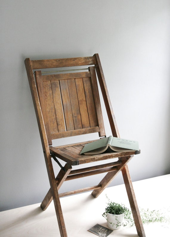 classic wood folding chair