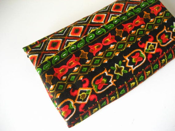 2Y Vintage Black Woven Lightweight Fabric with Bright Abstract Design