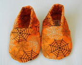 Baby Toddler Spidy Webs Baby Soft slippers with Grippy Dots Sole. Sz 12 to 18 months.