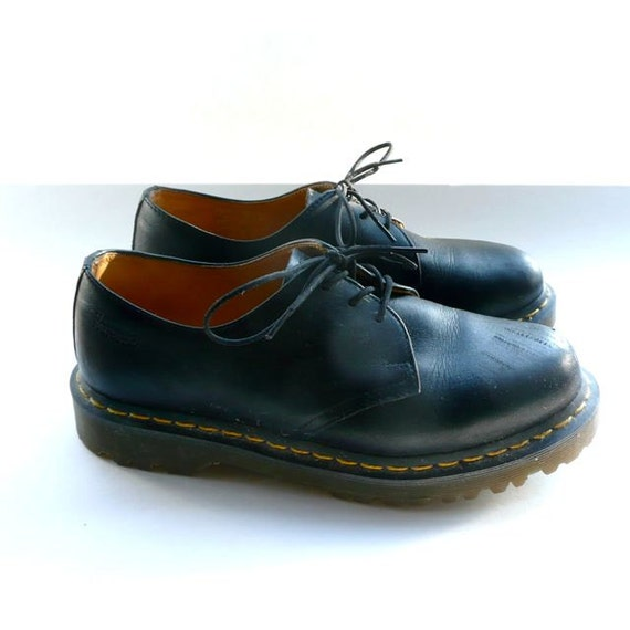 doc martens airwair shoes black size 9