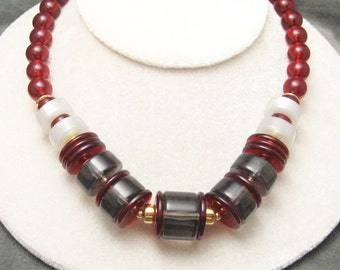 Chunky Lucite Necklace Monet Red N5506