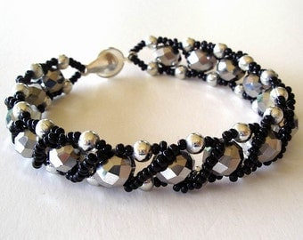 Beaded Bracelet Jewelry Silver Faceted and Black Glass and Acrylic Beads