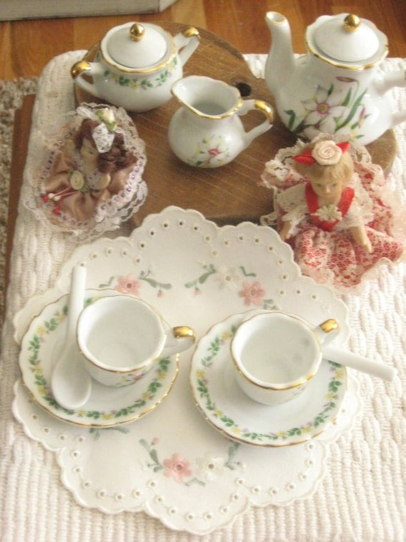 little girls china dolls and china tea set by serrindipitous. Black Bedroom Furniture Sets. Home Design Ideas