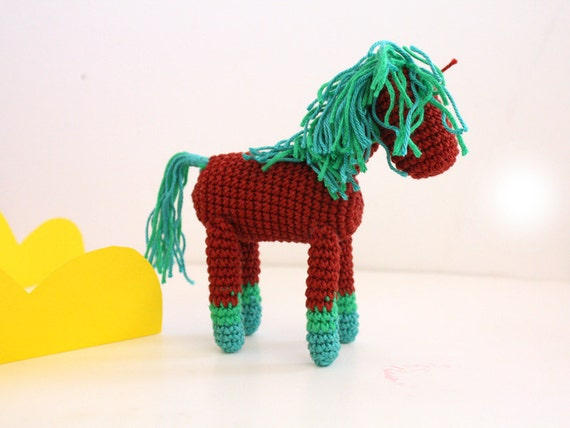 Red Handknit little pony, Bordeaux Equestrian gift, crochet horse, posable horse, hand knot pony,amigurumi baby shower horse, red and mint