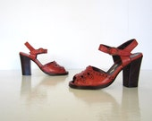 Vintage 1970s Shoes / 70s Platform Sandals / Rust Brown Leather / Size 5