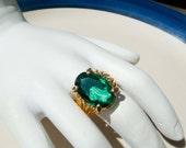 Vintage 18K gold HGE Emerald Ring Size 7