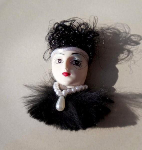 Vintage Lady Face flapper brooch