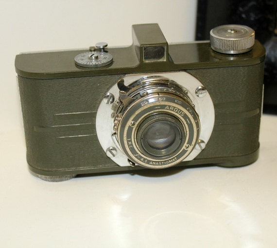 Vintage Argus Military Army Green Camera with Folding Case Art Deco