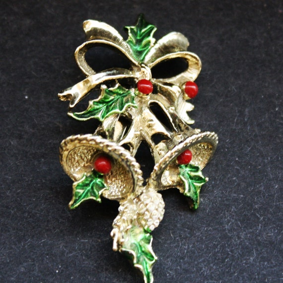 Vintage Christmas brooch pin Bells with Holly