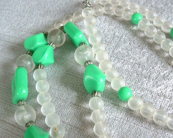 Vintage Lucite Necklace, Kelly Green and Smoky Translucent Beads