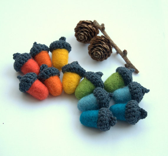 Acorns decor 12 Acorns garland felted wool Rainbow nursery decoration Waldorf toy rainbow colours montessori ornament gift children party
